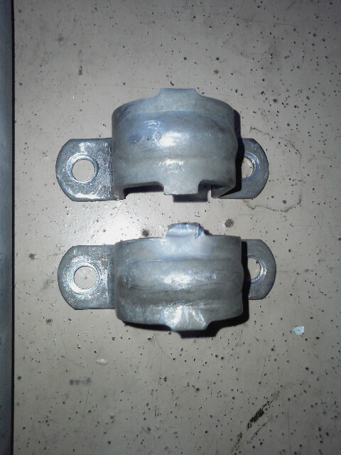 Sway bar brackets.png