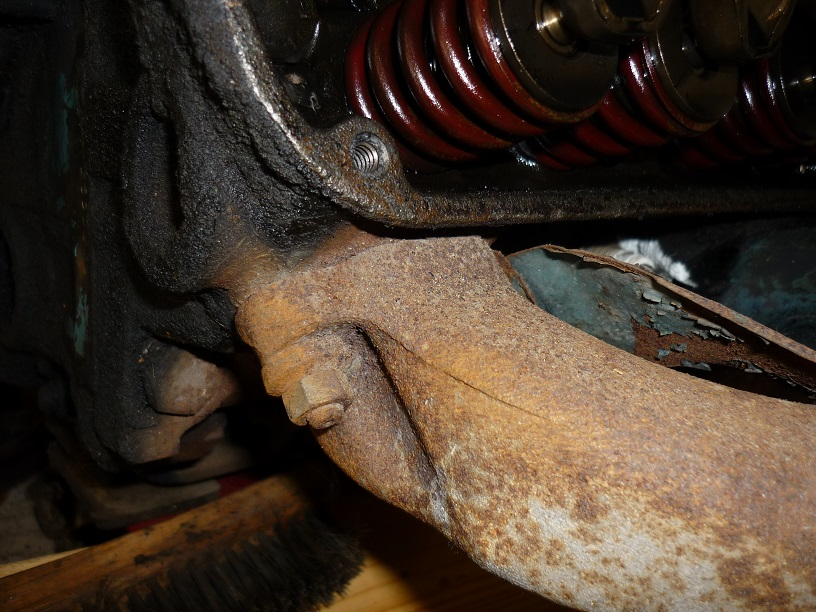 11 Exhaust manifold L front.jpg