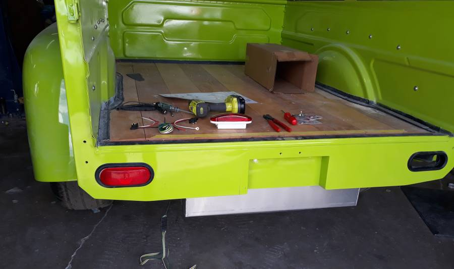 D100 new bed valence.jpg