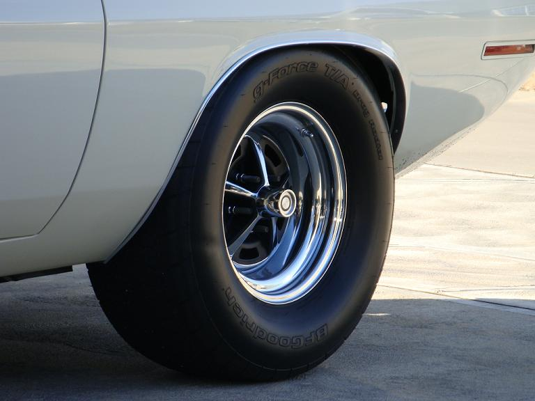Good Street Tire In 275 295 60 15 Moparts Question And