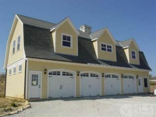 Attached picture 6982447-4carGarage-Upstairsliving.jpg